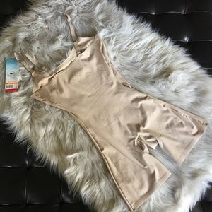 Spanx Mid-Thigh Body Shaper Suit Medium Very Bare